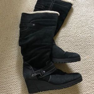 Earth Black wedge leather winter boots